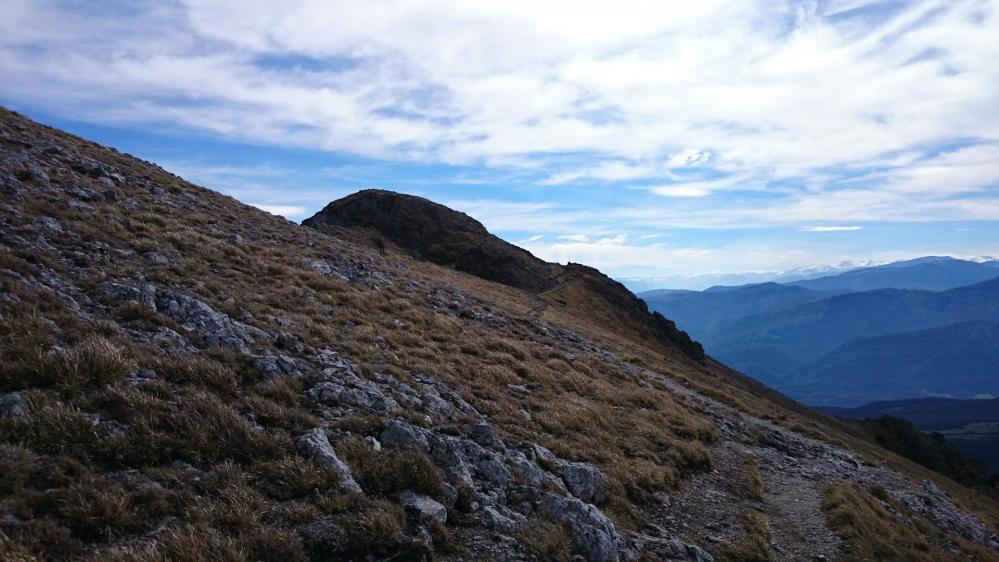 Pech de Bugarach ...le sommet est déjà loin !