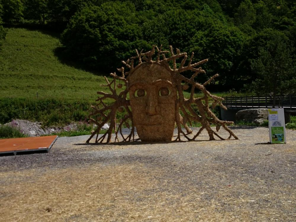 exposition 2014 sculptures en paille à Valloire