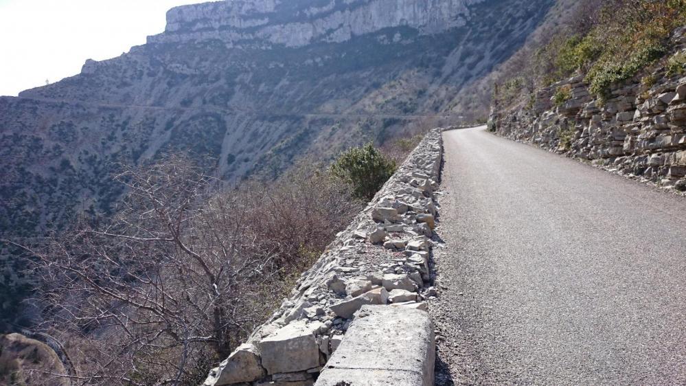 En remontant de Navacelles, les rampes n'en finissent plus !