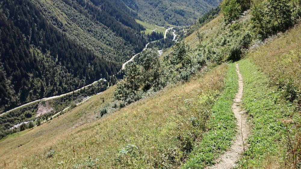 En bas la vallée de Chavière
