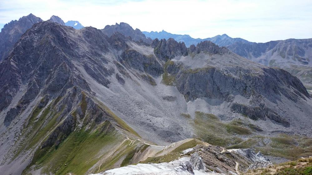 Descente du Petit Mont Blanc vers le col du Mone