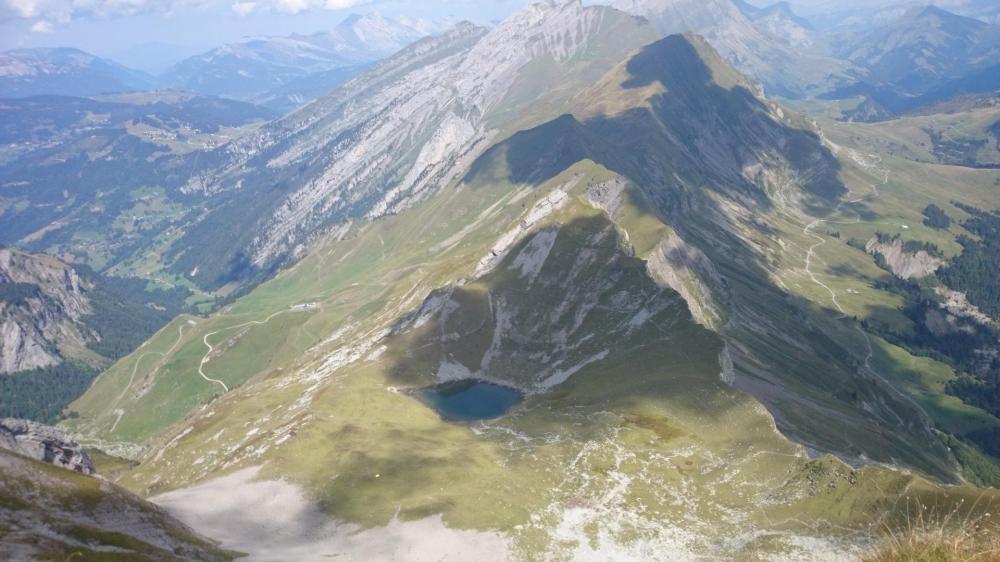 le lac du Charvin sous le sommet