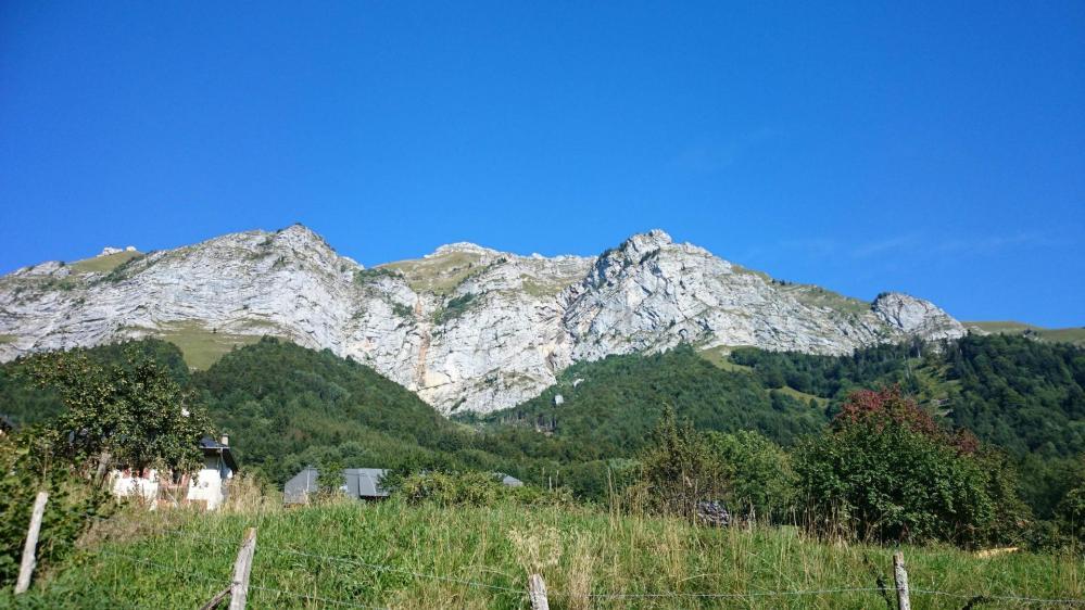 le Mont Trélod vu depuis la vallée