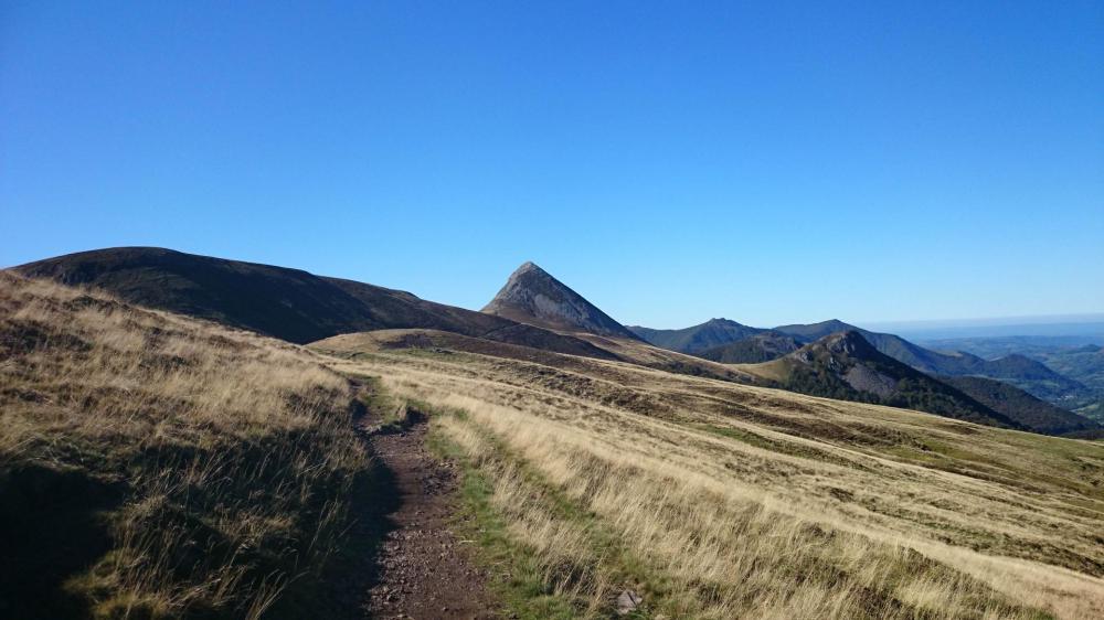 Col de Rombière, on laisse le Puy Griou derrière soi !