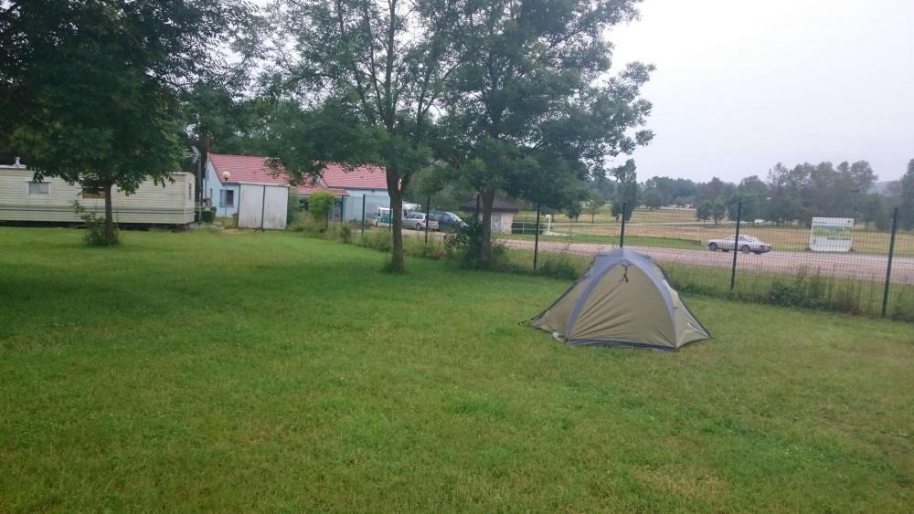 La tente prévue pour la randonnée et le rangement du vélo !