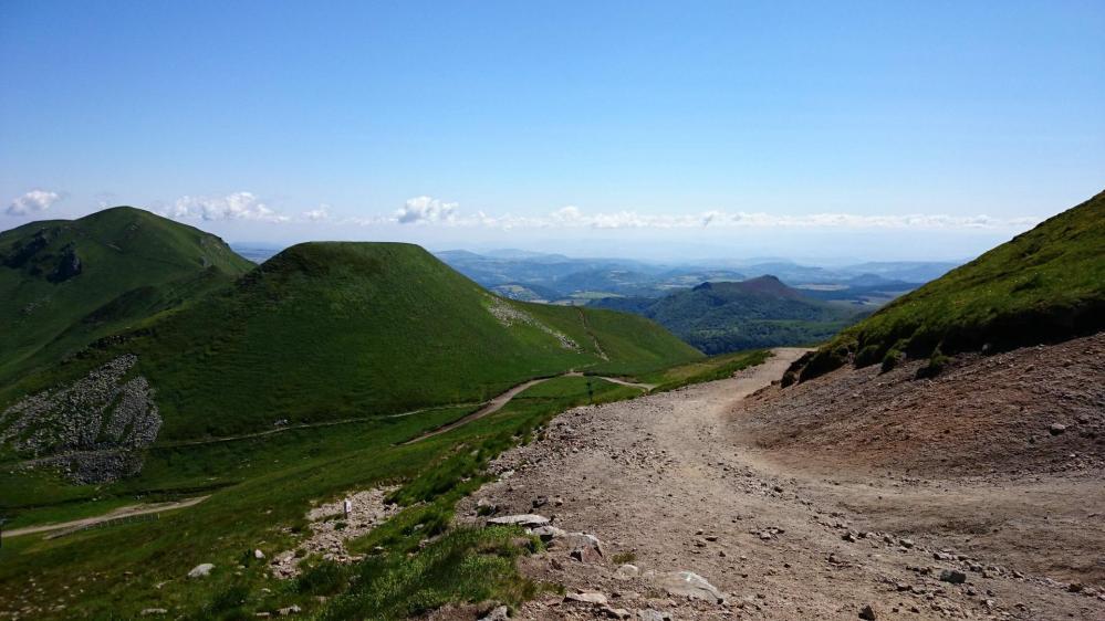 Vers le Puy de Cacadoogne et le col de Cuzeau