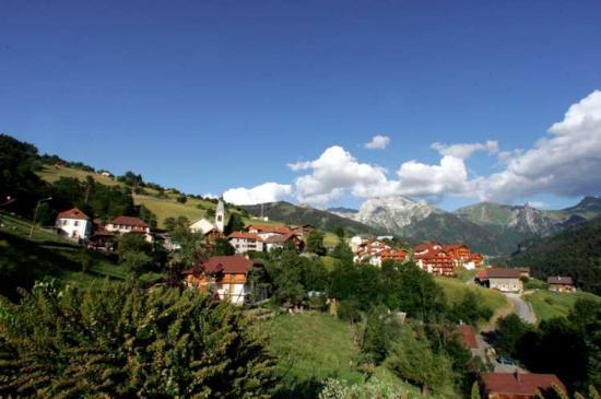 Manigod dans le col de la Croix Fry (Savoie)