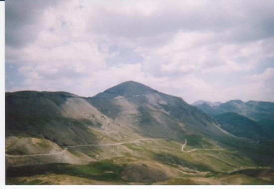 La route vers le sommet de la Bonnette (05) (juillet 2003)