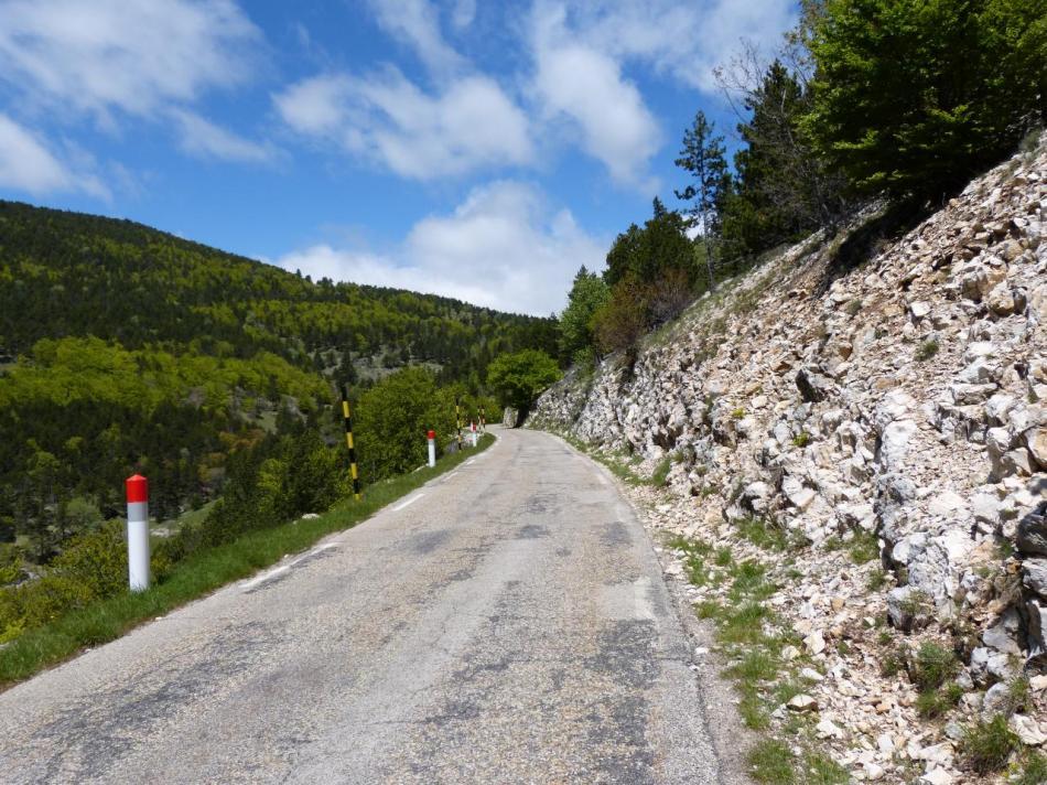 La montée vers le chalet Reynard (Ventoux)
