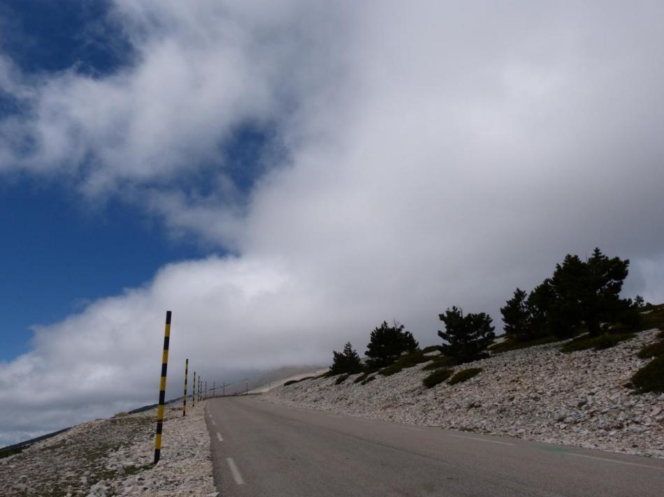 les derniers kilomètres du Ventoux