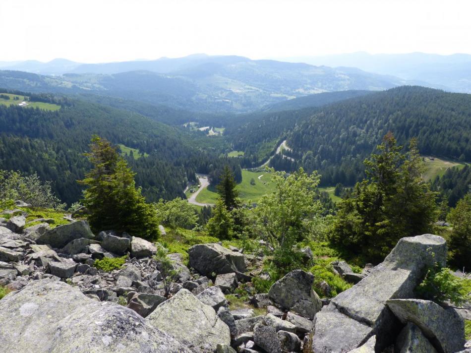 vue sur le bas du Tanet, station de ski