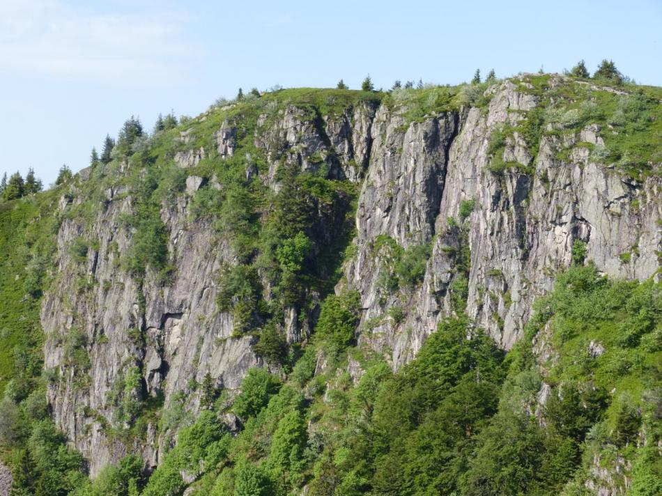 vue rapprochée des rochers du Tanet