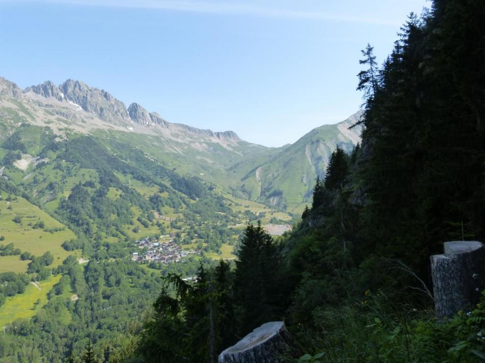 Vue sur la Vilette et le col du Sabot (montée à vélo).