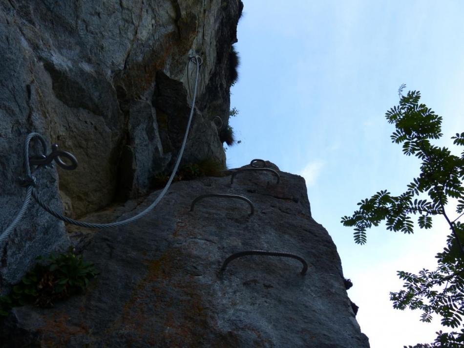 après les passerelles, petit passage sportif avant d' arriver en haut de la première cascade