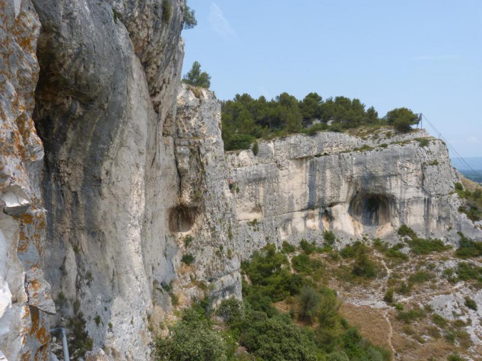 via de Cavaillon, dans la souterrata après la grotte des Baumes