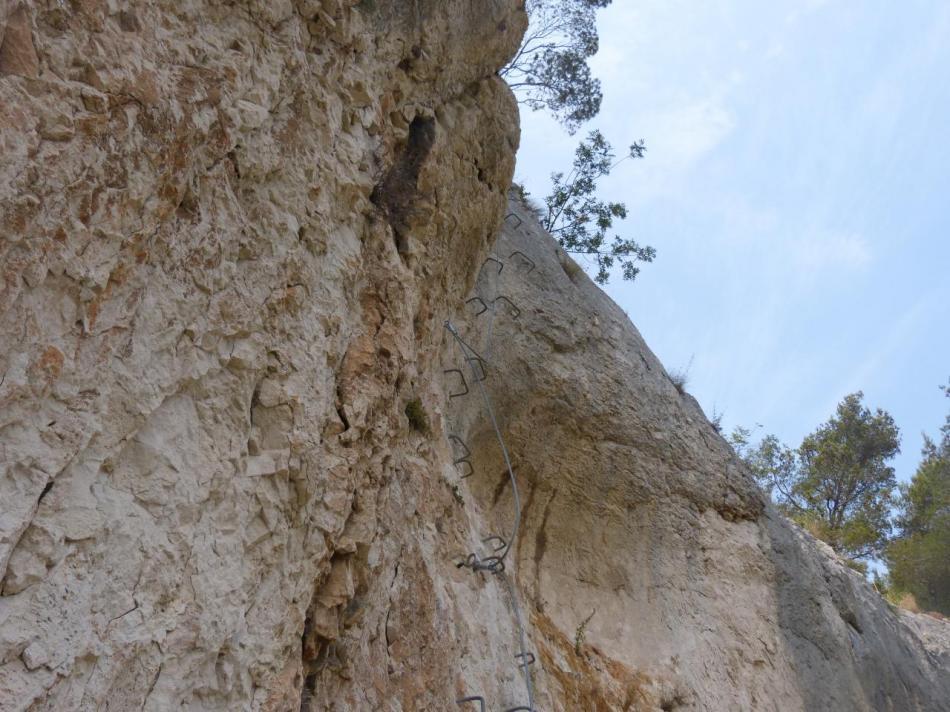 le mur de sortie de la première partie de la via souterrata à Cavaillon