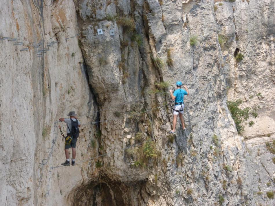 pont de singe dans la via souterrata à Cavaillon