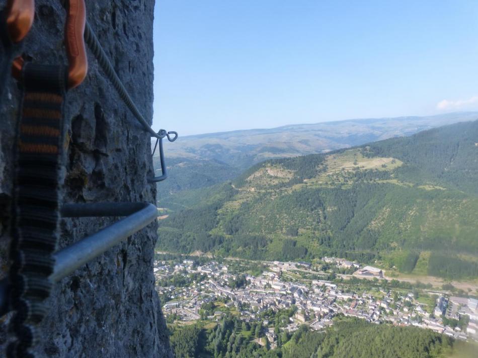 ambiance dans la difficile après la tyrolienne