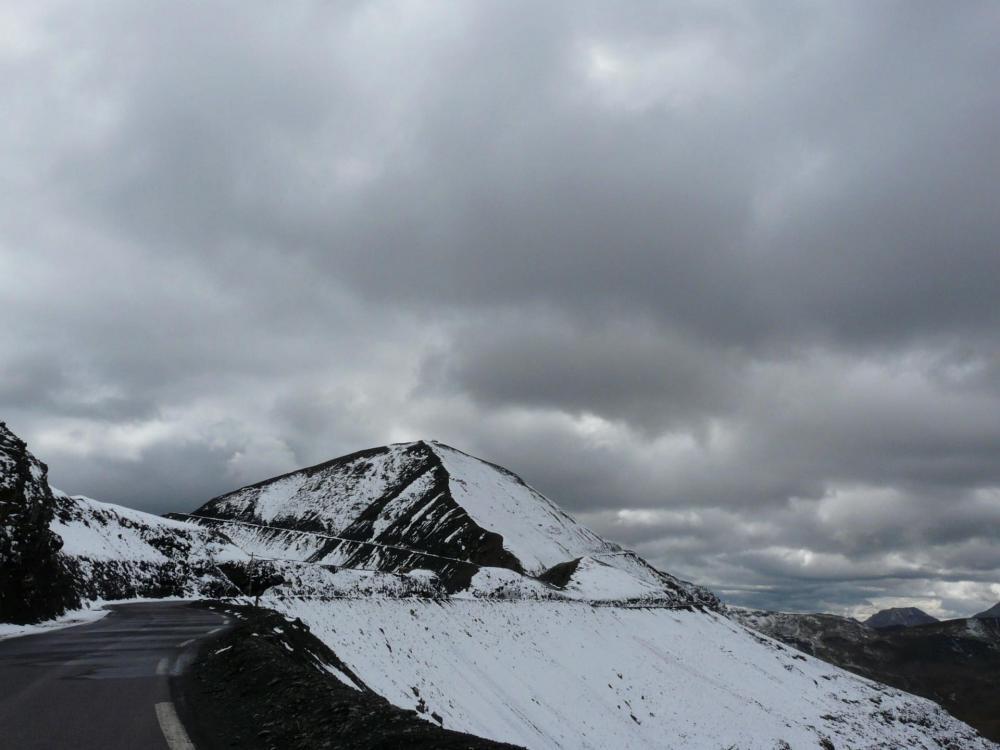 Montée à la cime de la Bonette depuis la jonction avec la route du col.