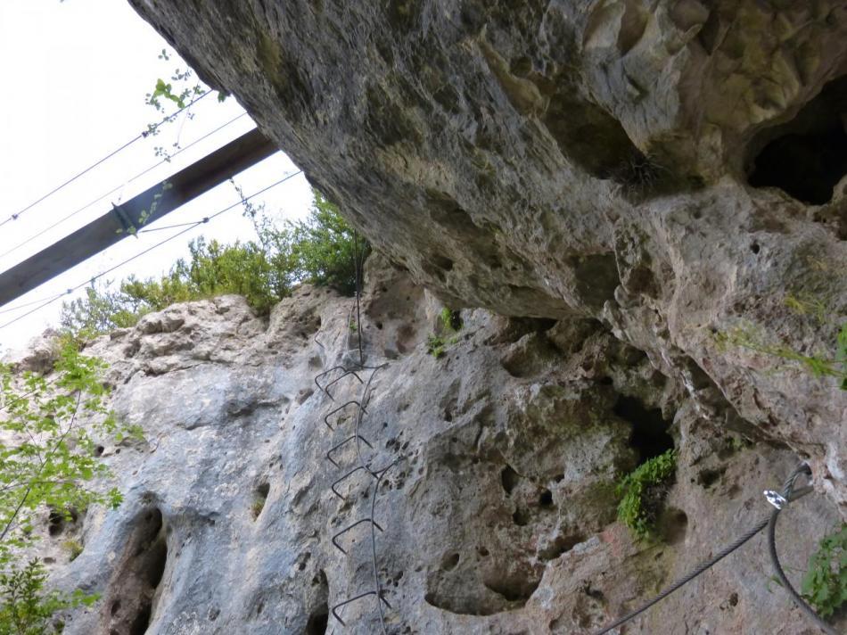 la descente sous la passerelle du Boffi