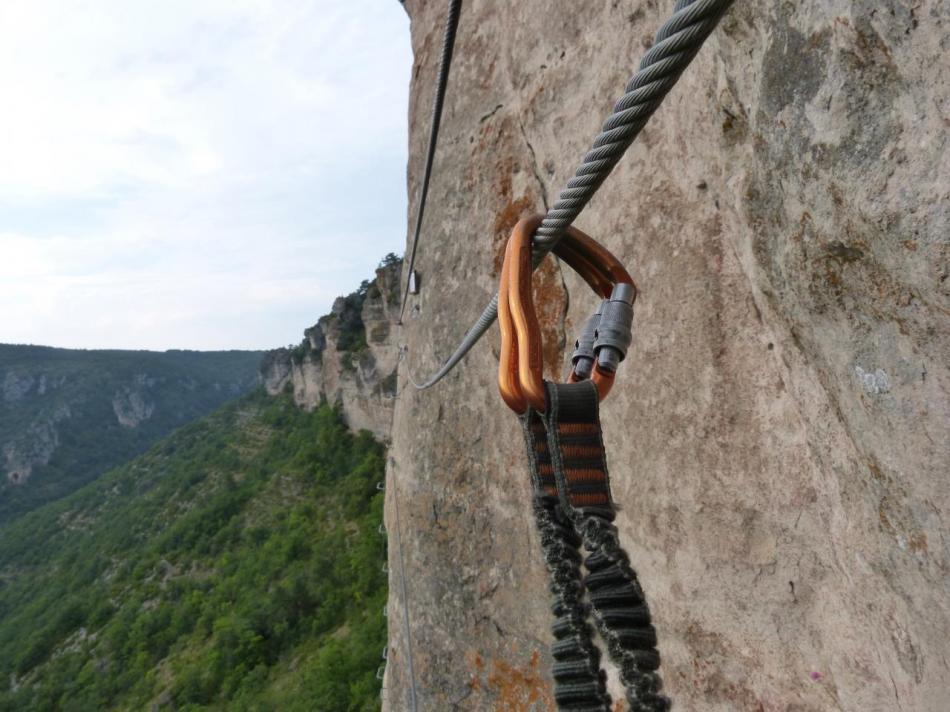 Sur le premier pont de singe,après une remontée (via du Boffi)
