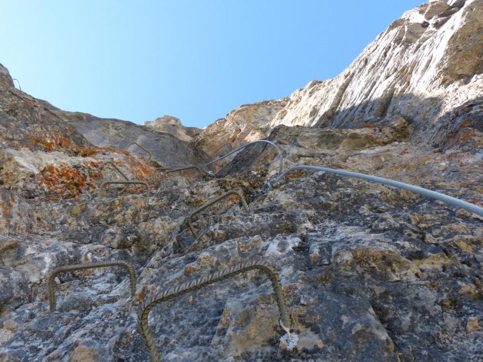 La belle muraille de la via ferrata du rocher blanc