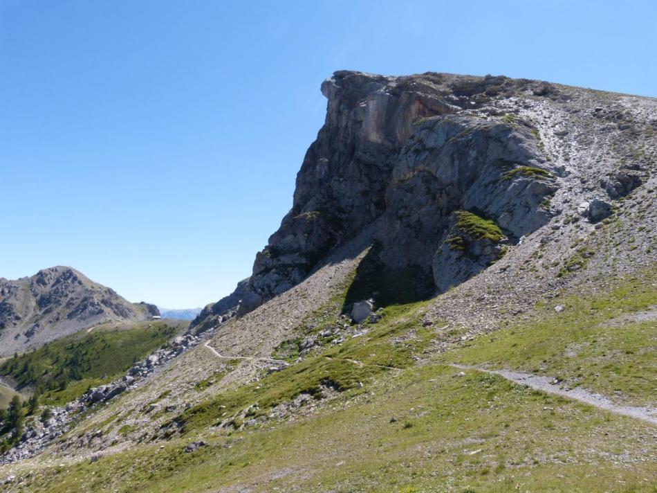 vue d'ensemble sur le rocher blanc à la descente