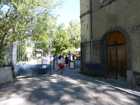 l' entrée du parc de la Schappe à Briançon