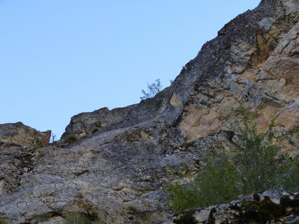la montée en diagonale (rocher du bez)