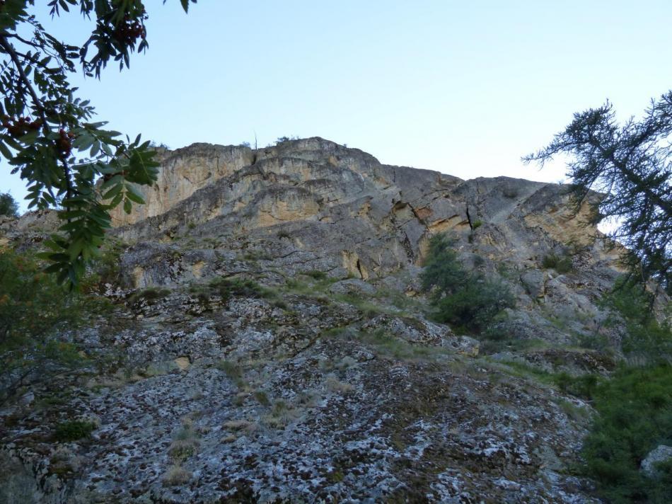 vue d'ensemble de la via ferrata du rocher du bez (parcours 1)