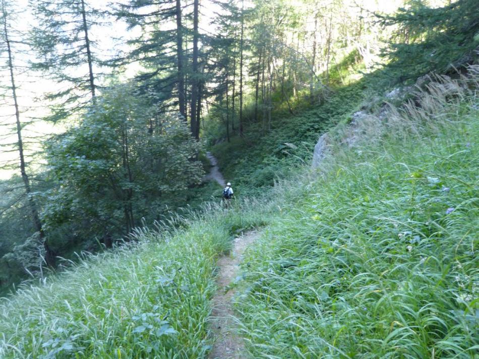 sentier de descente de la via des Bettières