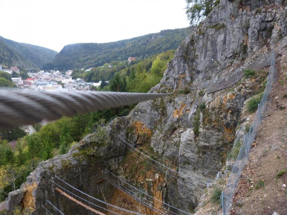 la tyrolienne ascendante de la variante athlétique à Morez
