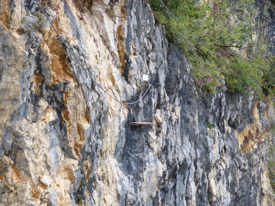 la plate forme de départ de la tyrolienne ascendante - via de Morez