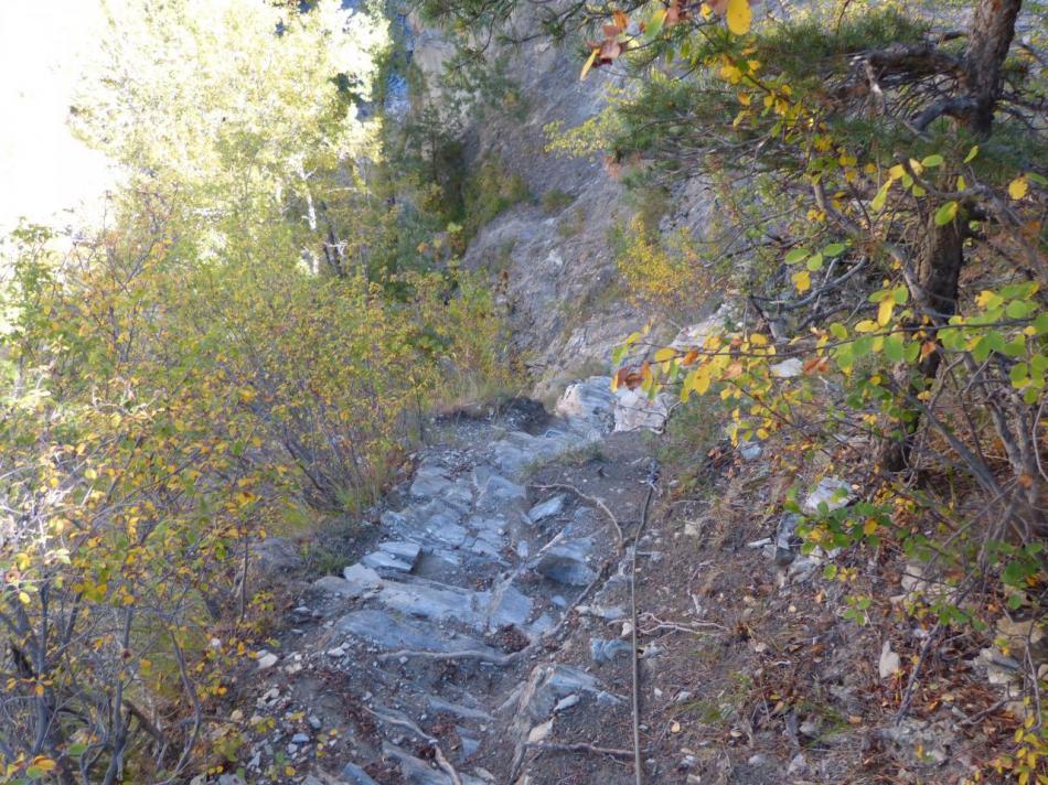 la descente vers la Durance depuis la sortie de la via verte.