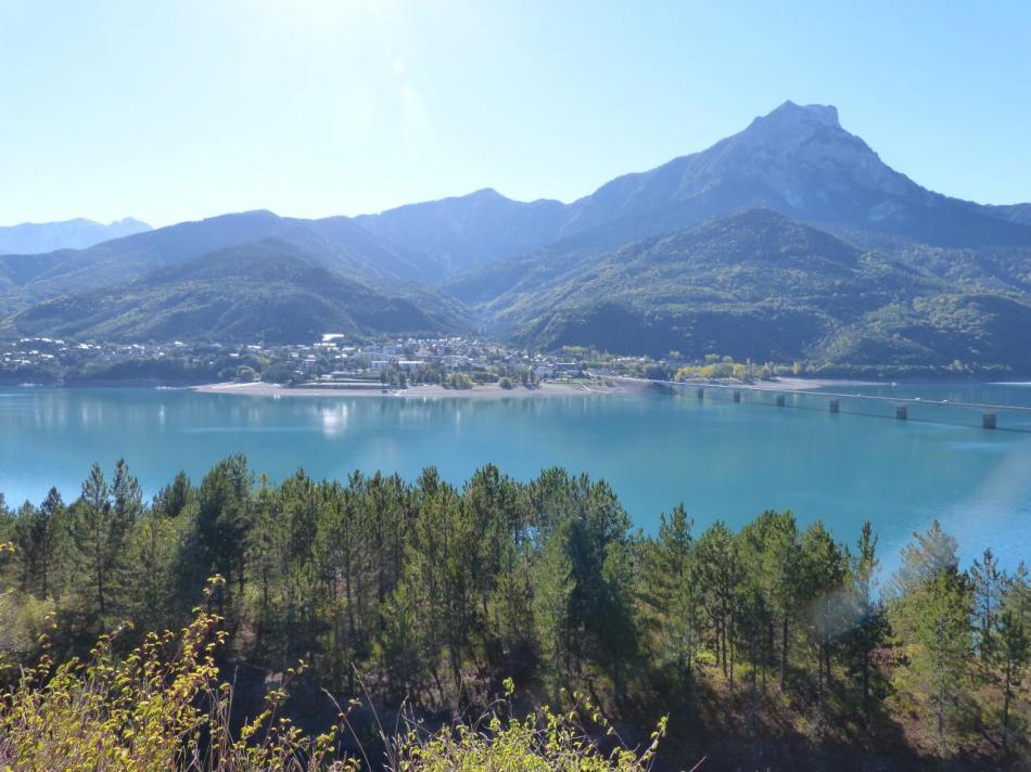Savines le lac depuis la route vers Puy Sanières