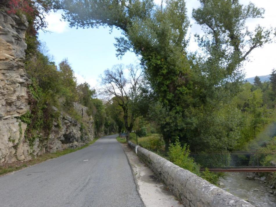 l' Ouvèze près du moulin de Montguers