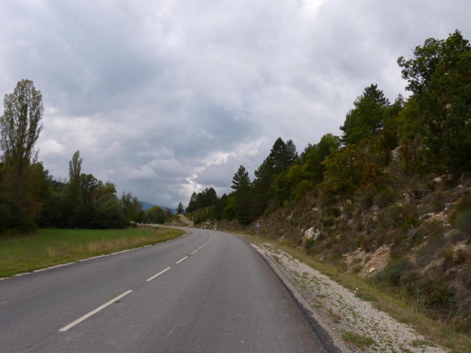 belle route vers Villefranche le Chateau
