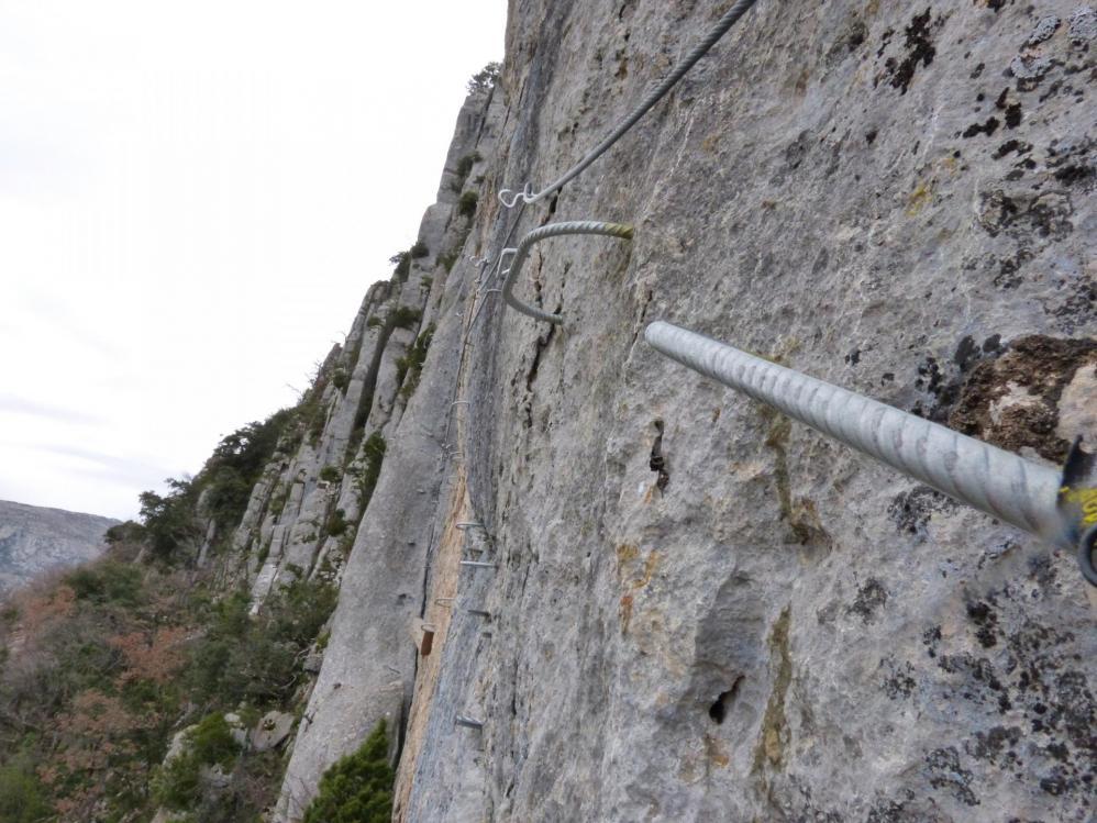 """""""La Testouriasso""""  reparti en traversée sous la crête du rocher St Julien"""