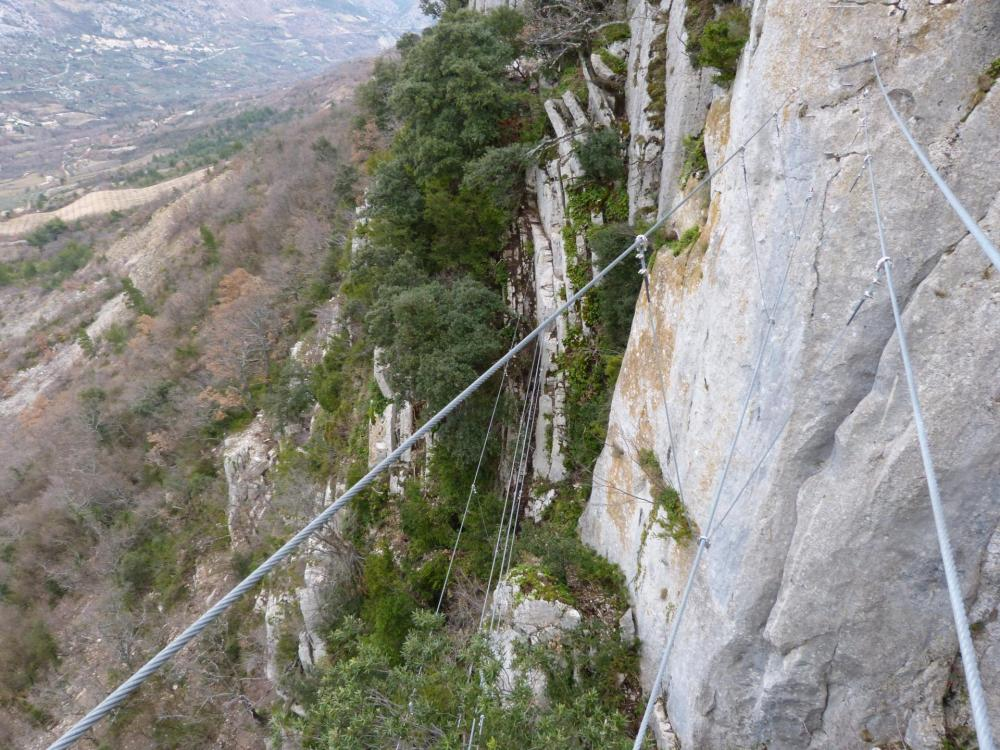 """...pour arriver sur le pont népalais qui surplombe celui de la """"Testouriasso"""""""
