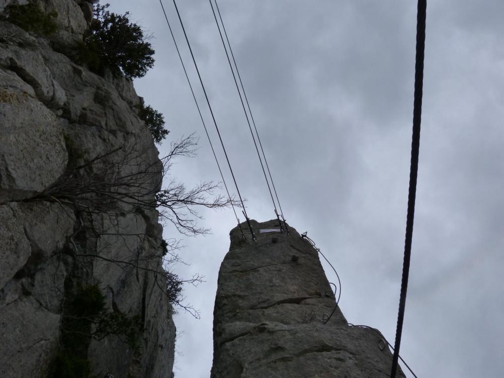 """""""la Roumpo quièu""""remontée du piler et traversée ultime surun dernier pont népalais"""
