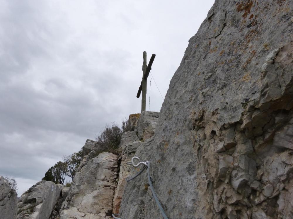 La croix du rocher St Julien à Buis les Baronies