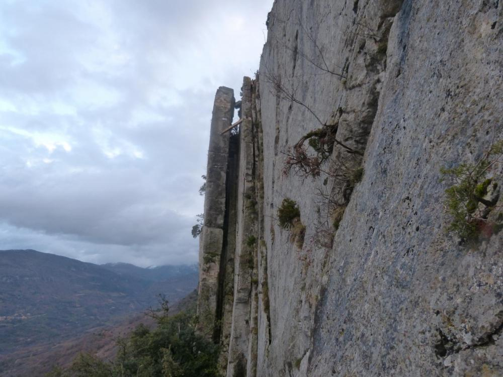 """Le même passage vu depuis la descente - Via ferrata à Buis les Baronies la """" Thiousso"""" (Drôme)"""