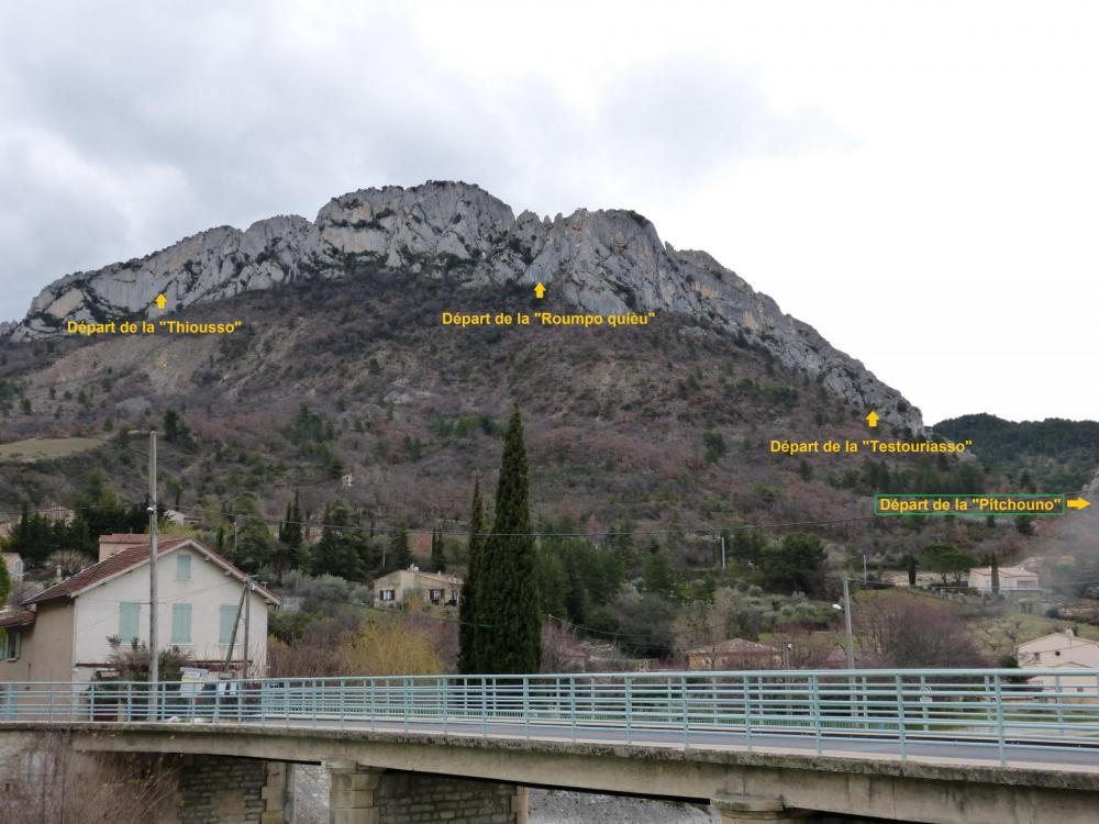 """Départ de la """"Pitchouno"""" par rapport aux trois autres vias ferrata de Buis les bartonies"""