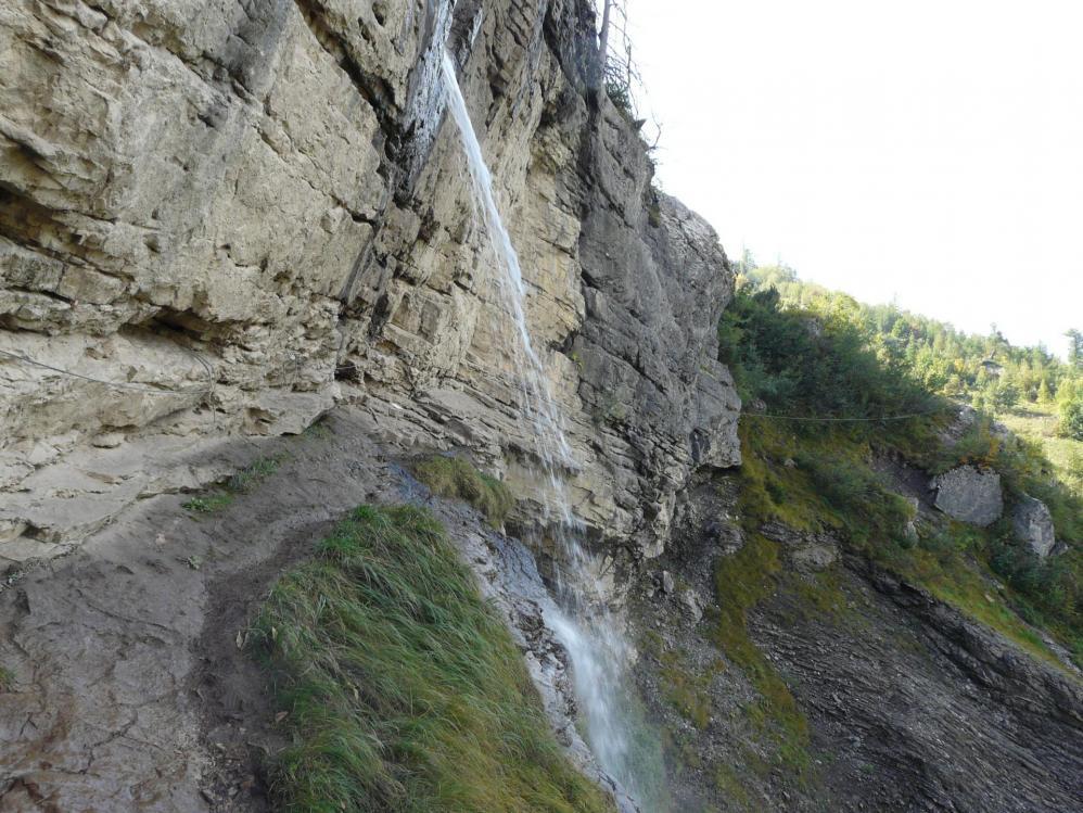 Via ferrata de la cascade aux Diablerets,la tyrolienne