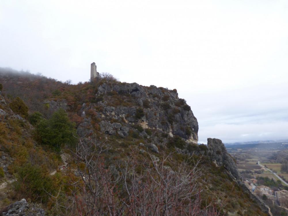 ruines de la chapelle St andré et la tour de guet