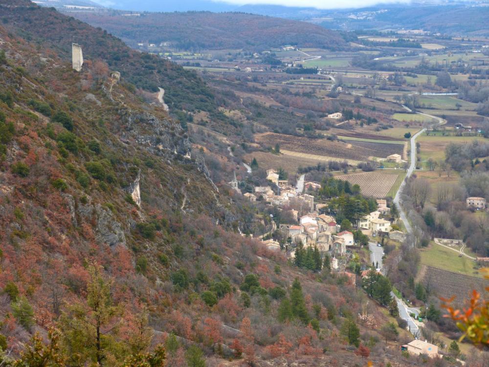 zoom sur le village de Monieux