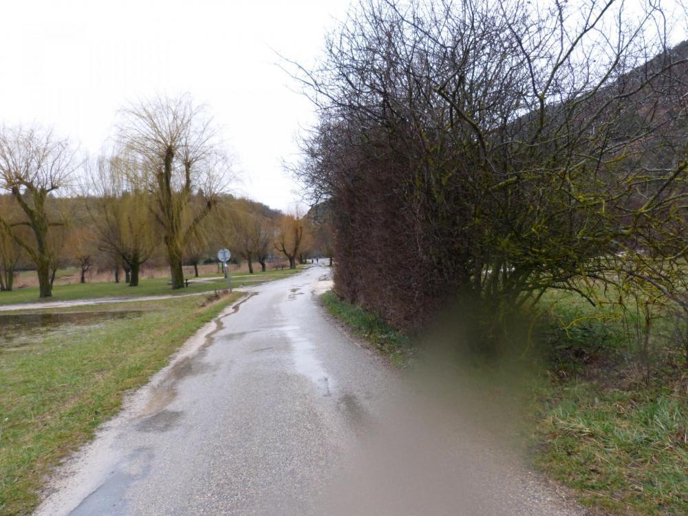la route qui fait la jonction entre le lac du Bourget et Monieux
