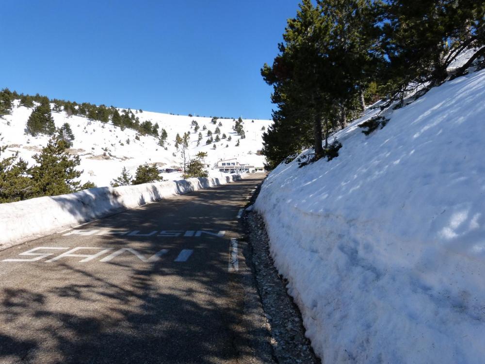 Arrivée à Chalet Reynard à 6km du sommet