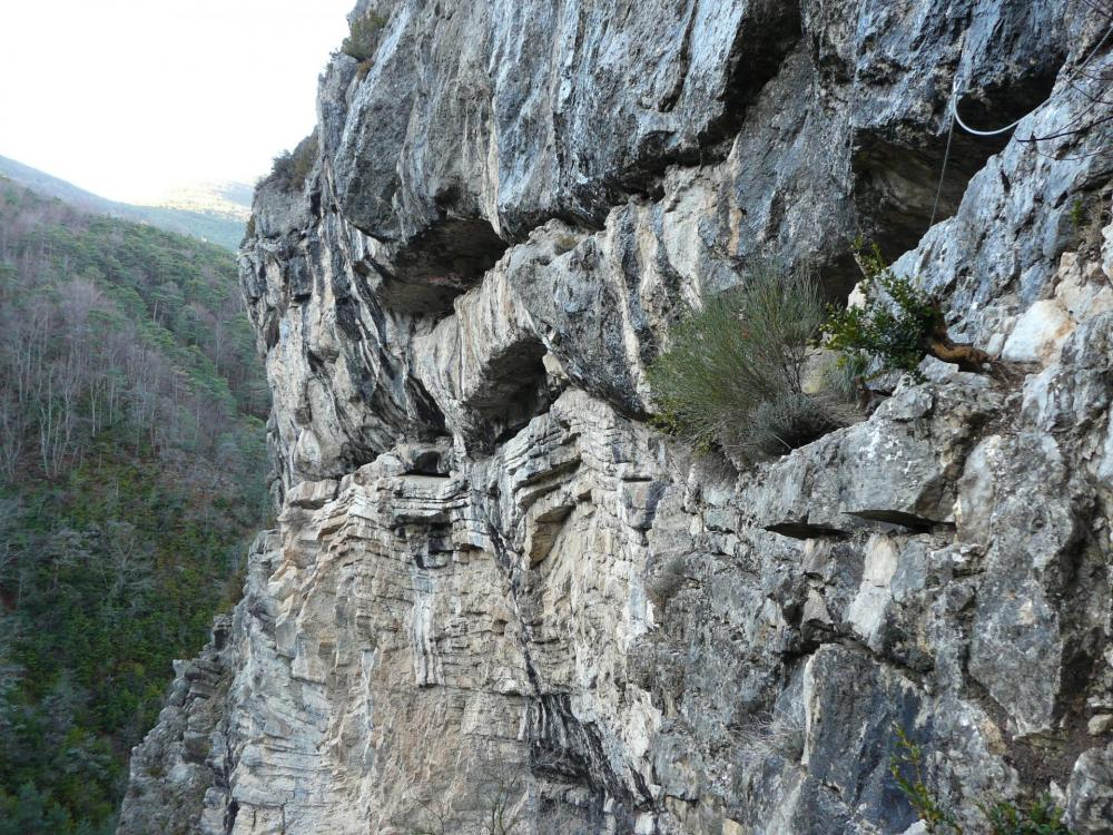 à la sortie de la partie déversante de la via des Gorges de l' Agnielles