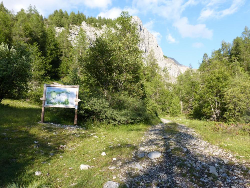 panneau d'information de la via ferrata de Rouanne à Ancelle